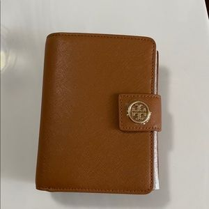 Authentic Tory Burch Robinson French Fold Wallet